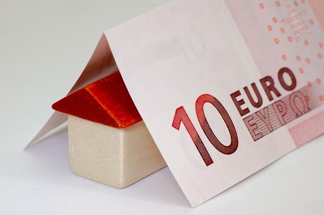 domek bod bankovkou