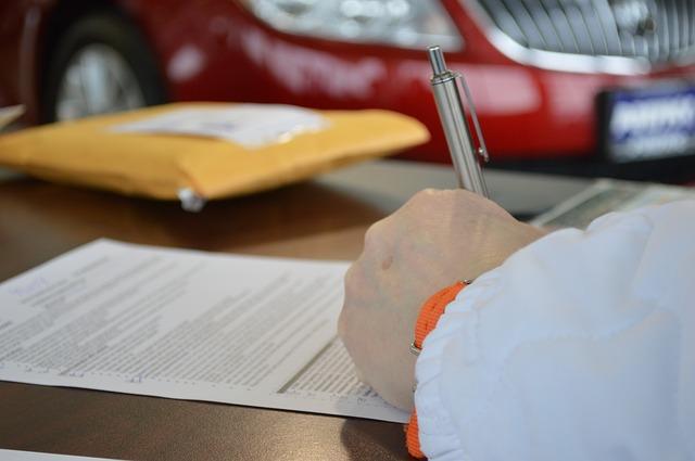 podepisování úvěrové smlouvy