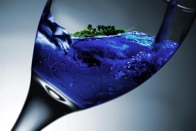 ostrov ve sklenici na víno