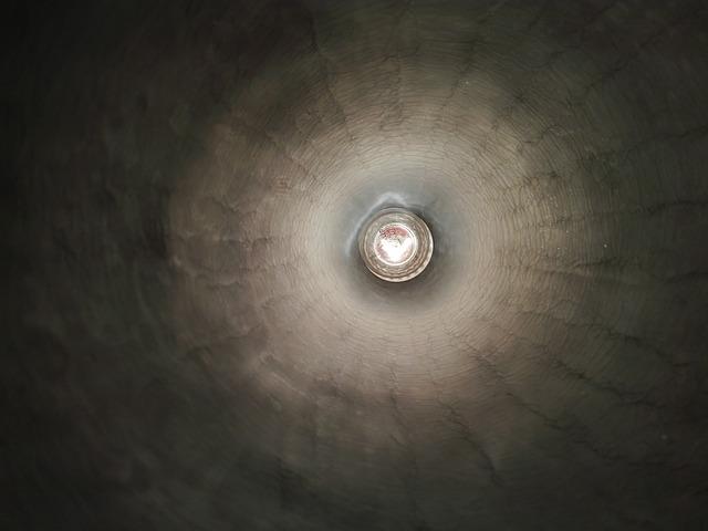 světlo v tunelu
