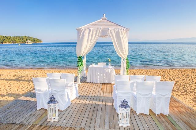 svatební obřad u moře