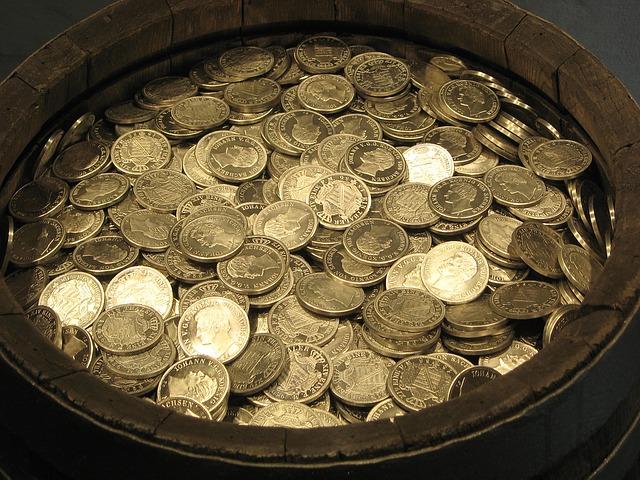 mince v nádobě