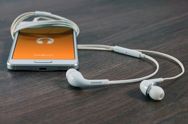 Mobil Samsung se sluchátky