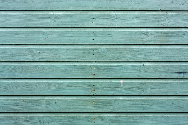 modře obarvené dřevo.jpg