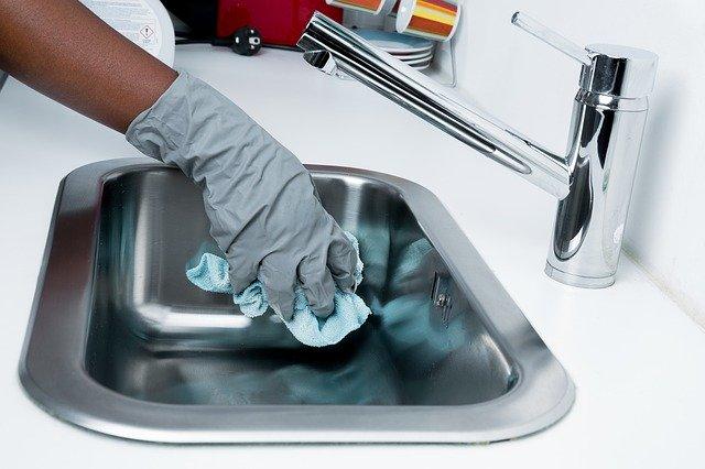 mytí dřezu